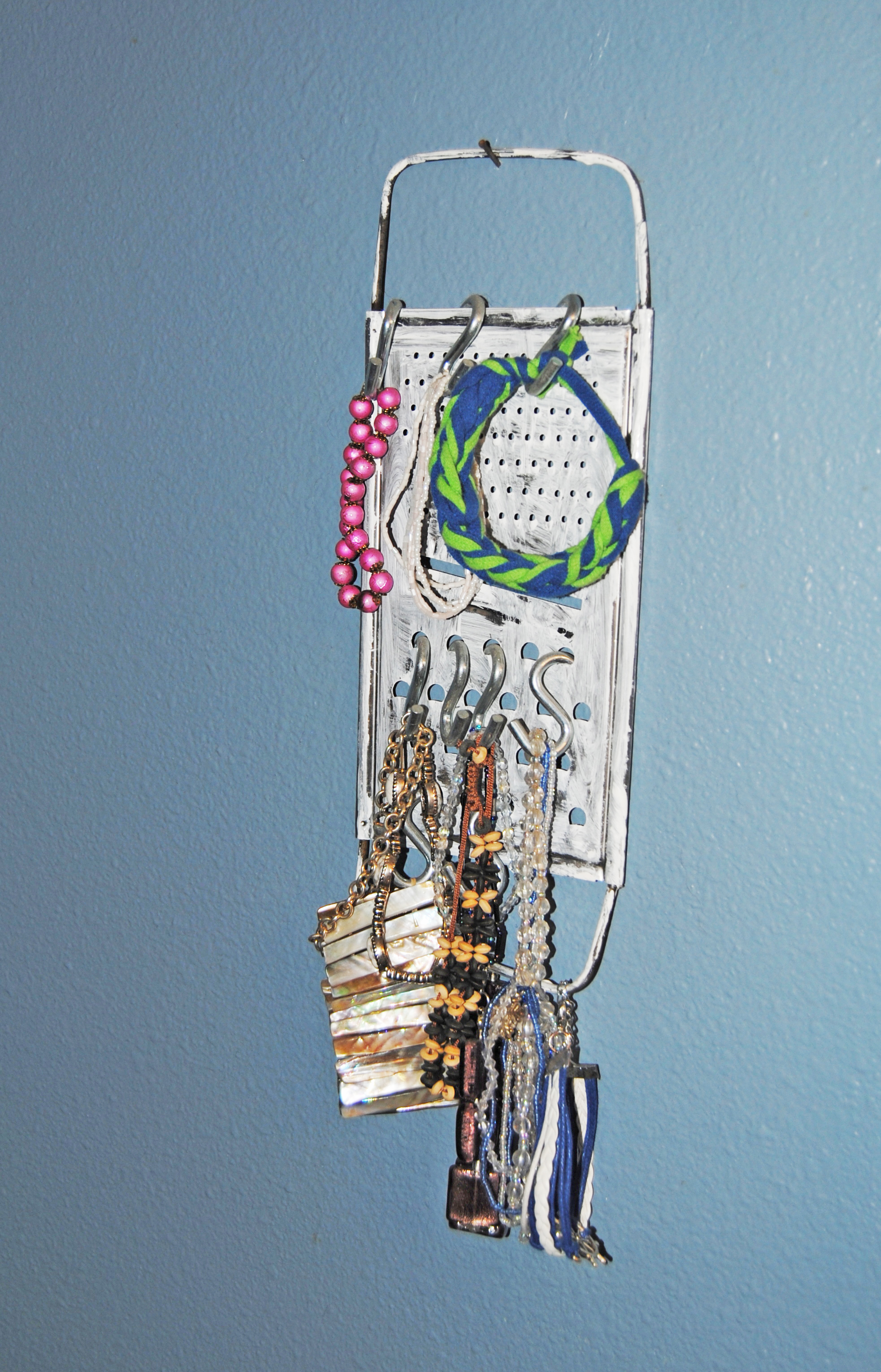 Cheese Grater Jewelry Holder | Bexbernard.com DIY - Green Living - Upcycled - Recycled - Crafts