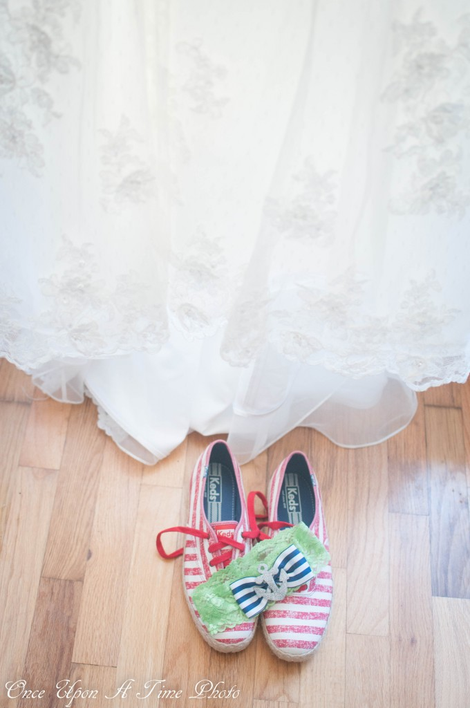 nautical blue and green garter with anchor. worn on wedding day with red, white and rope keds. | bexbernard.com