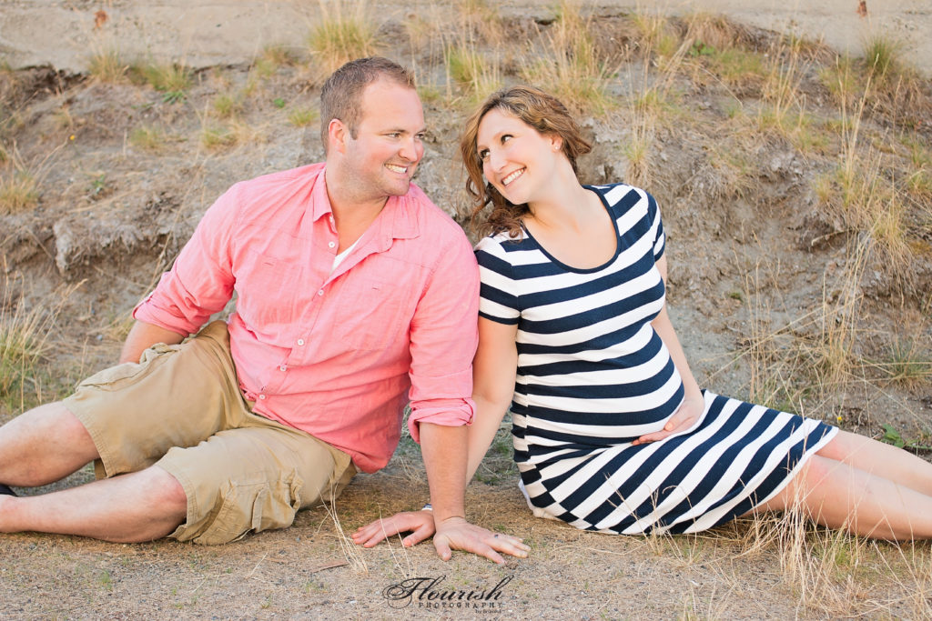 Maternity photos on beach. | bexbernard.com
