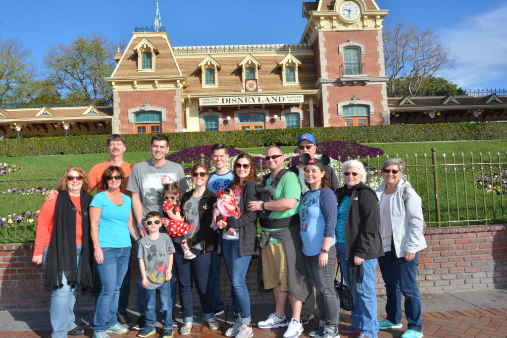 PhotoPass_Visiting_Disneyland_Park_7931849640